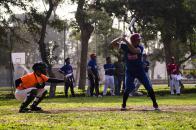 Una práctica de béisbol en el Club Sinchi Roca. Esta disciplina fue incluida en el 2018 entre las escuelas deportivas que se dictan.