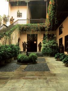 El hermoso patio central de la Casa Goyeneche.