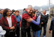 El alcalde de Lima, Luis Castañeda Lossio, en la inauguración de escaleras y miradores, que benefician a los más necesitados.
