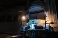 Un equipo de expertos trabaja en la restauración del histórico Teatro Segura.