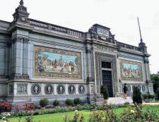 El Museo de Arte Italiano diseñado por el arquitecto milanésGaetano Moretti fue el obsequio de la colonia italiana. La ceremoniade entrega se realizó el 11 de noviembre de 1923. Crédito: Página web El Informante. http://elinformanteperu.com/index.php/2017/06/13/museo-de-arte-italianoofrecera-ingreso-gratuito-hasta-el-6-de-agosto/