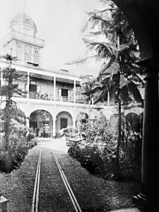 Hospital de San Bartolomé. Crédito: Biblioteca y Archivo Histórico de laMunicipalidad de Lima.