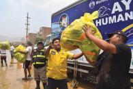 La Municipalidad de Lima, a través de Defensa Civil, brinda ayuda humanitaria a familias damnificadas por inundaciones en Lima.