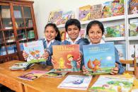 Cientos de niños y jóvenes son beneficiados con las campañas de Librotón, una iniciativa que recolecta libros para luego distribuirlos a las bibliotecas comunales y escolares de Lima.