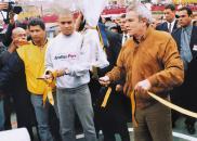 Durante su estadía en el Perú, allá por el 2004, el exjugador Ronaldo Nazario fue invitado por el entonces alcalde de Lima, Luis Castañeda Lossio, a inaugurar las losas deportivas en Villa María del Triunfo.