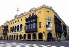 El Palacio Municipal de Lima, en la tradicional Plaza de Armas.