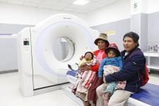 Modernos equipos médicos en el flamante Hospital de la Solidaridad de Wanchaq, en Cusco.