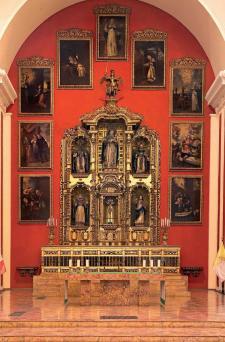 Altar del templo de Santa Rosa de los Padres, ubicado en el espacio en el que residió la familia de Rosa. Crédito: Fotografía de Daniel Giannoni.